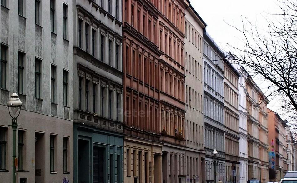 GRÜNDERZEITBAUTEN IN DER NAUNYNSTRASSE - BERLIN-KREUZBERG - GERMANY