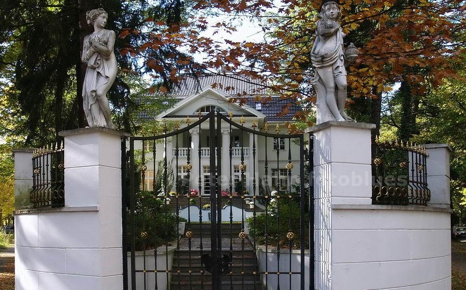 STADTVILLA - BERLIN-ZEHLENDORF - DEUTSCHLAND-GERMANY