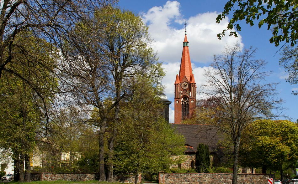 PETRUSKIRCHE - BERLIN-LICHTERFELDE