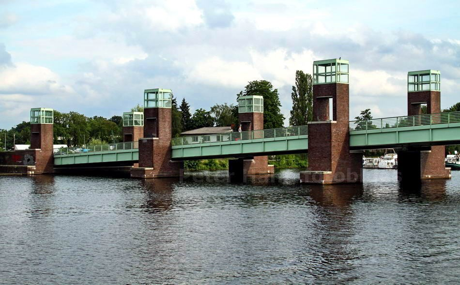 WASSERSTADTBRÜCKE ÜBER DIE HAVEL - BERLIN-SPANDAU
