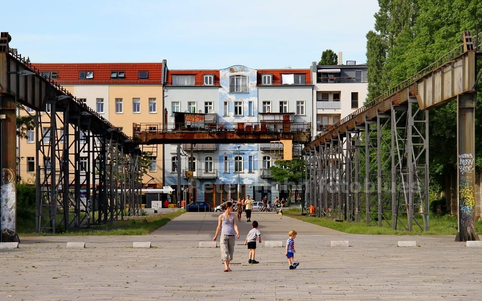 STILLGELEGTER TRANSPORTWEG - BERLIN-SCHÖNEWEIDE