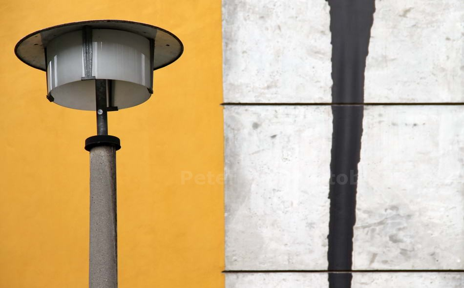 LAMPE D D R ACH SO - BERLIN-WEISSENSEE