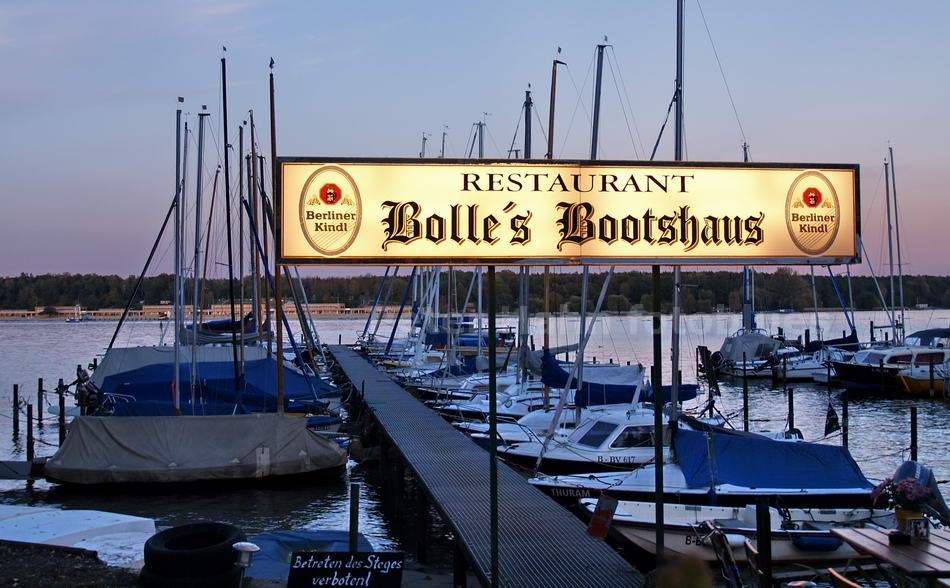 BOLLE'S BOOTSHAUS - BERLIN-WANNSEE
