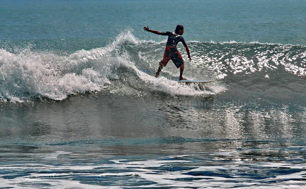 SURFER - KUTA - BALI - INDONESIEN-INDONESIA
