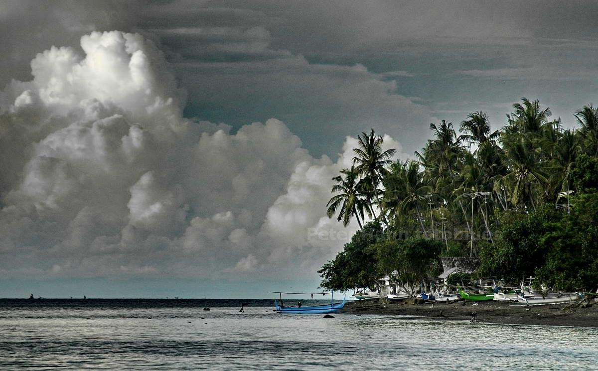 MONSUNWOLKE- LOVINA - BALI - INDONESIEN-INDONESIA