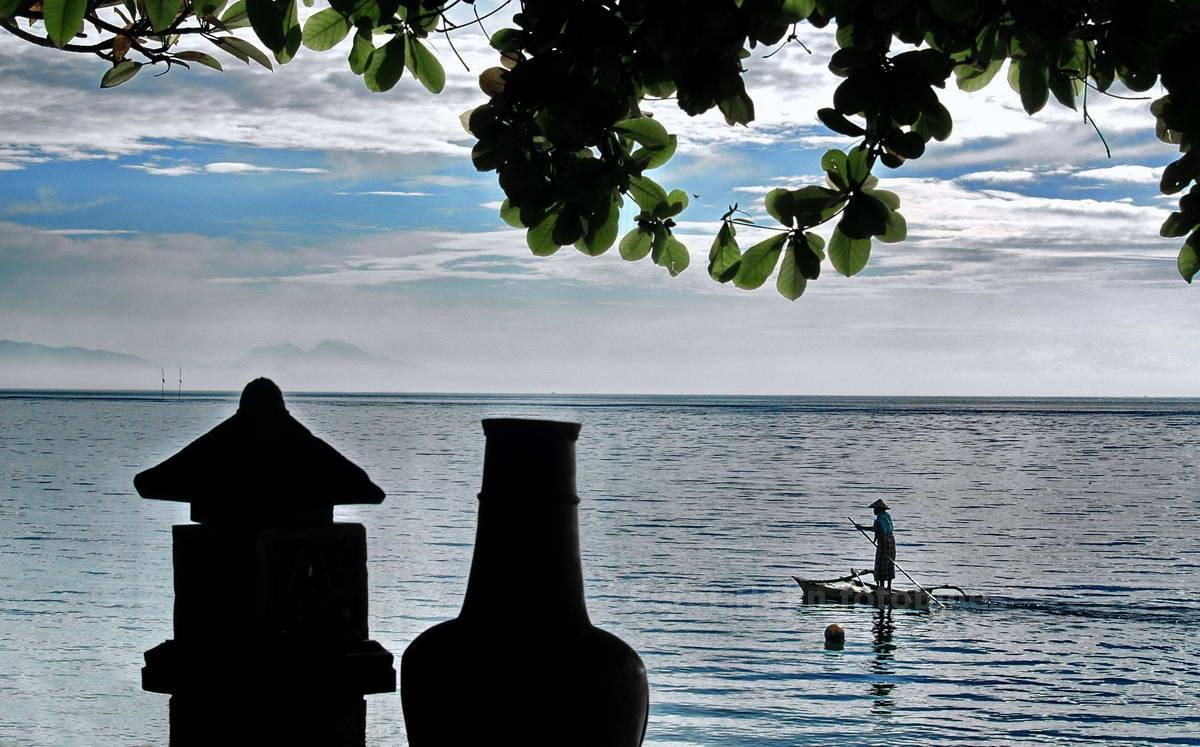 AUF DEM MEER - SANUR - BALI - INDONESIEN-INDONESIA