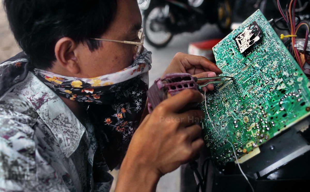 COMPUTER-REPERATUR - BANGKOK - THAILAND-THAI