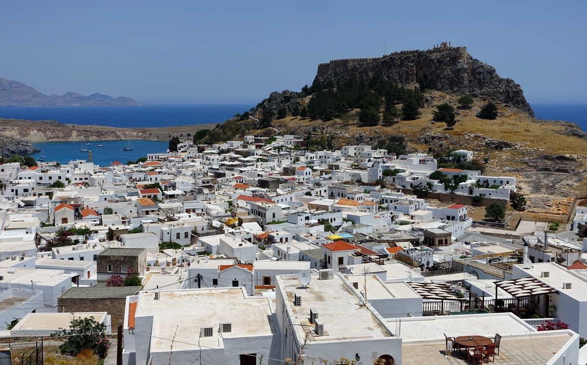 STADTPANORAMA MIT AKROPOLIS - LINDOS - RHODOS - GRIECHENLAND-GREECE-HELLAS