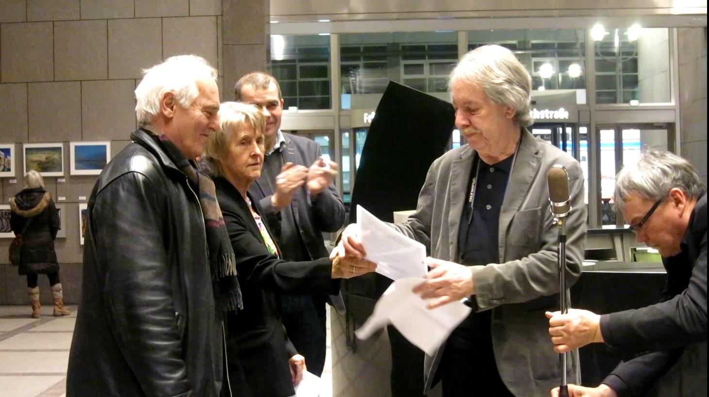 2018.02.15 Berlinx Mitte Verleihung Urkunde LAFO 2