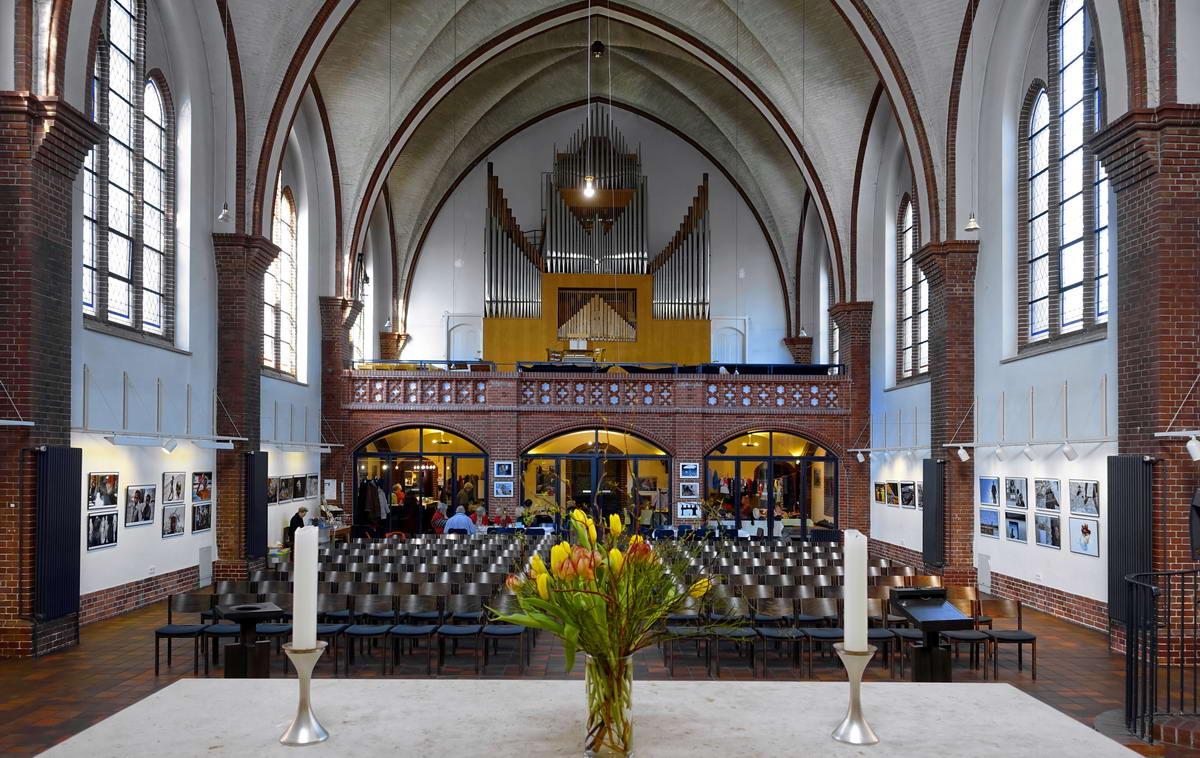 2018.03.03 Berlin Lichterfelde Petruskirche Innenraum 1200
