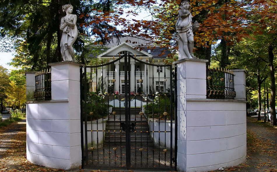 Berlin Zehlendorf Villa Ecke Matterhornstr. Foto Peter Hahn fotoblues 7a