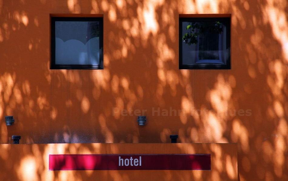 EINDEUTIGE HOTELFINDUNG - FRANKFURT-GERMANY