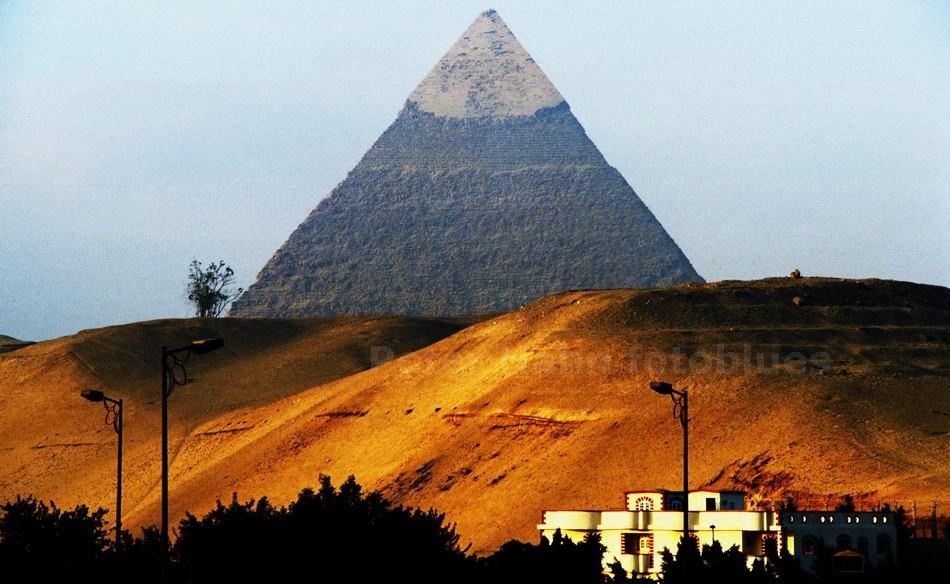 GIZEH - KAIRO - ÄGYPTEN-EGYPT - PYRAMIDE