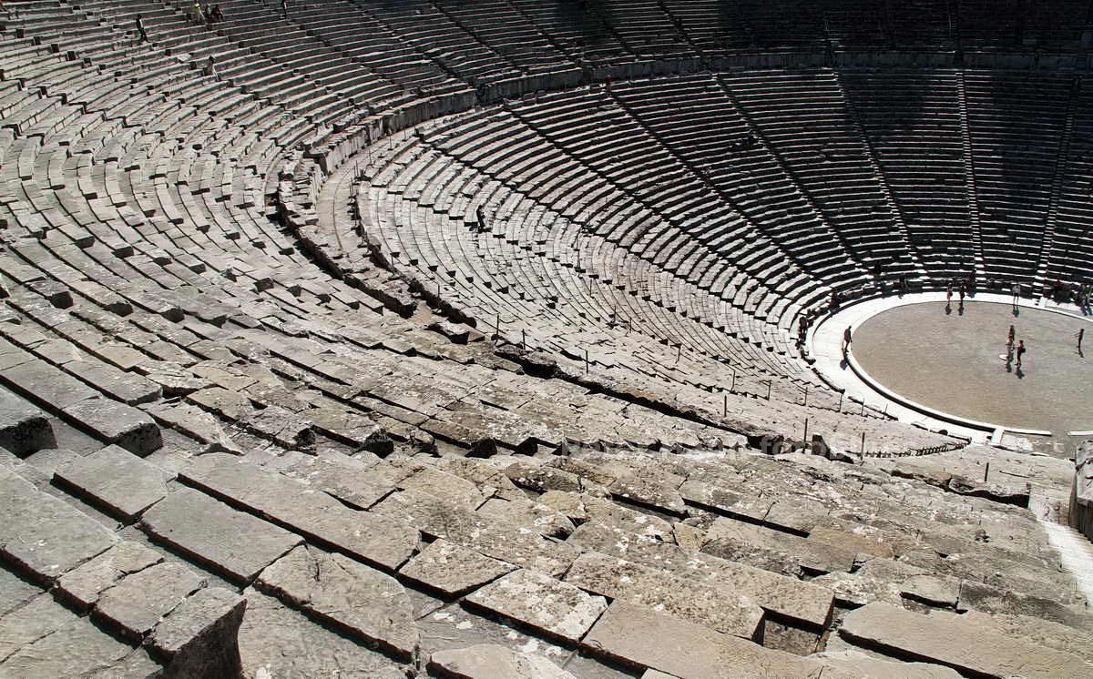 EPIDAUROS - PELOPONNES - GREECE - ALTGRIECHISCHES THEATER