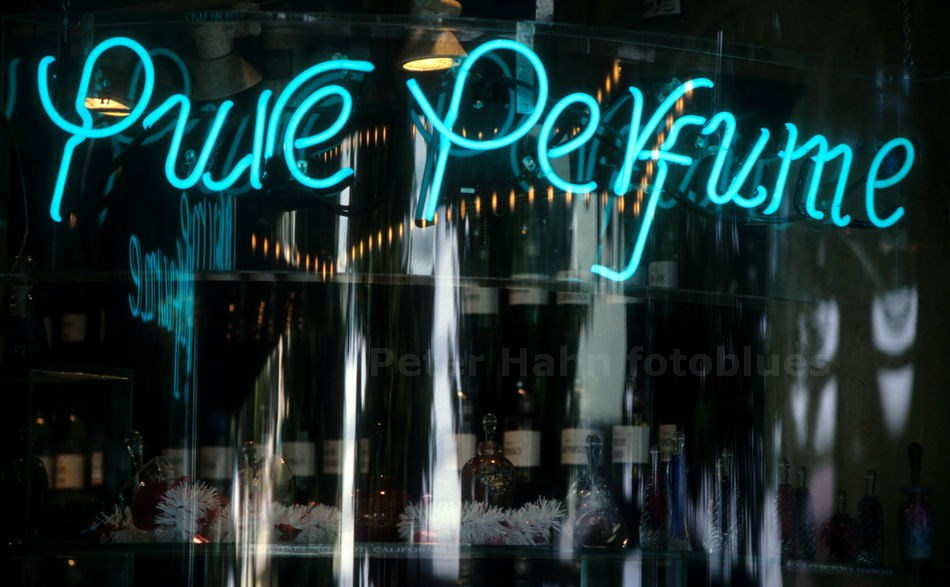 BLUE PARFUME - MIAMI BEACH-FLORIDA - USA