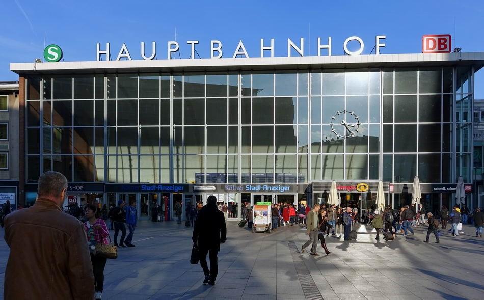 KÖLN - GERMANY - HAUPTBAHNHOF-HAUPTEINGANG