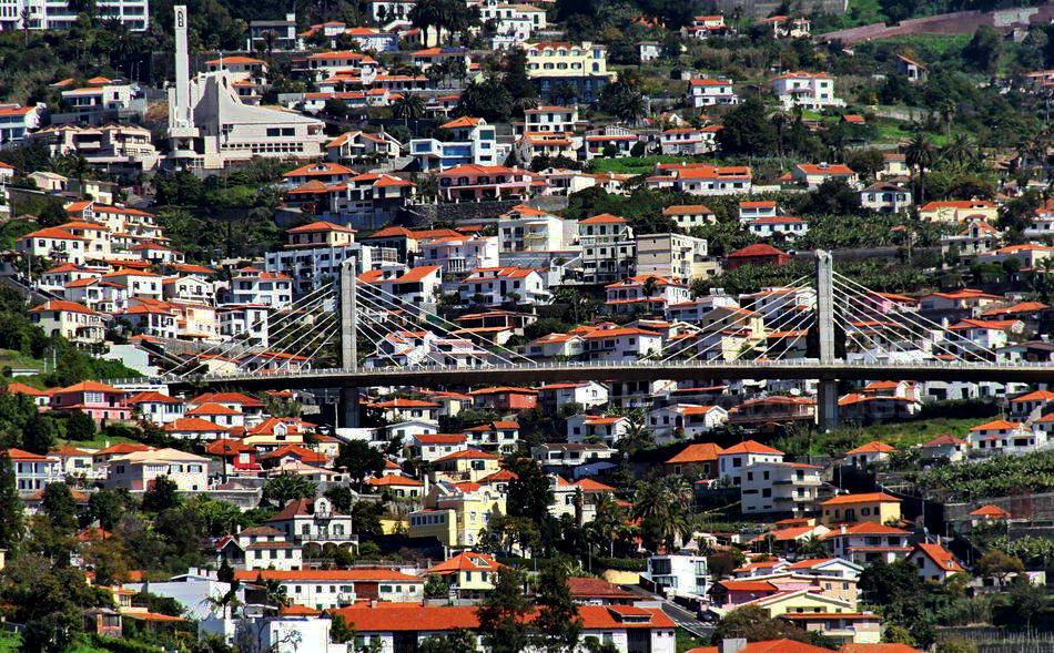 FUNCHAL - MADEIRA - PORTUGAL - BRÜCKE