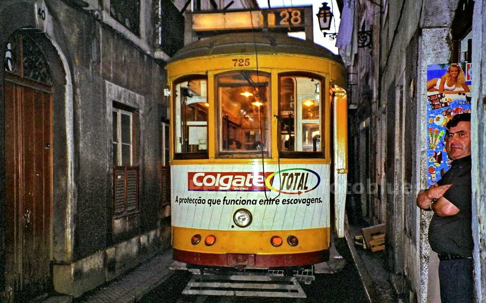 LISSABON-LISBOA - PORTUGAL - ELECTRICOS NUMERO 28