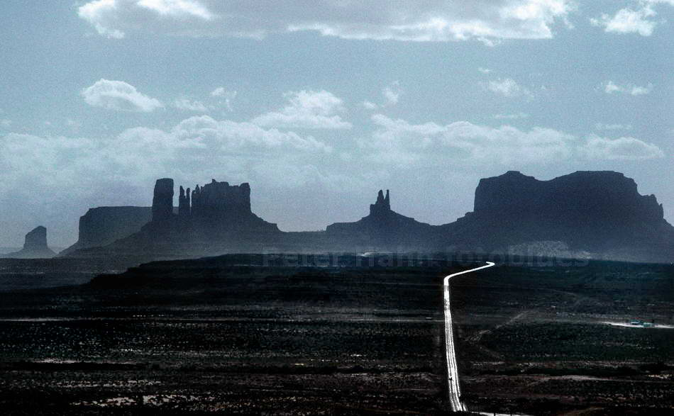 MONUMENT VALLEY - NAVAJO NATIONAL RESERVATION-ARIZONA - USA