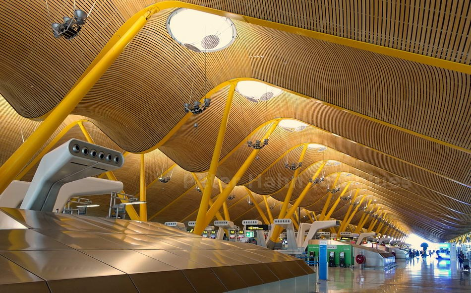 MADRID - SPANIEN-SPAIN - AIRPORT BARAJAS