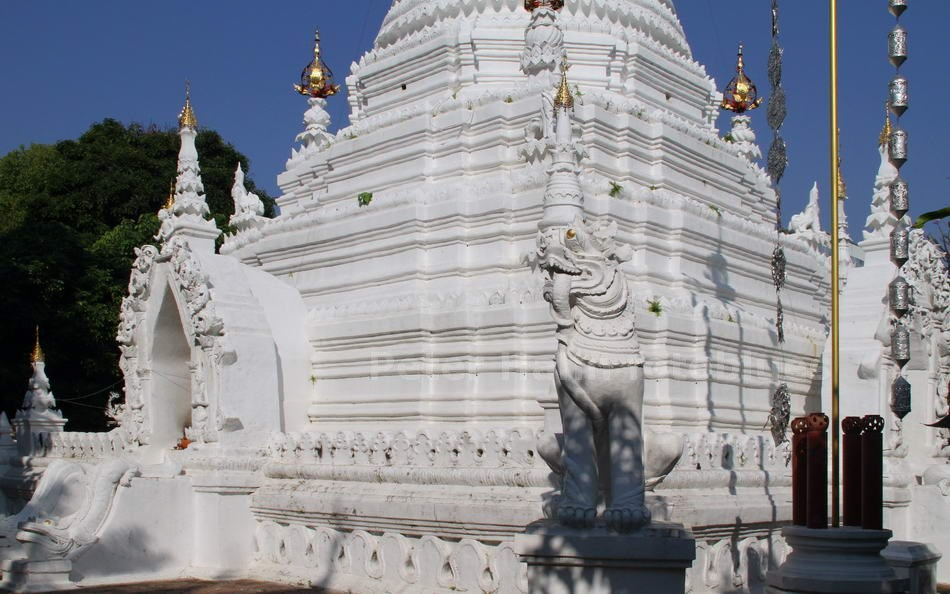 CHIANG MAI - THAILAND - WEISSE STUPA