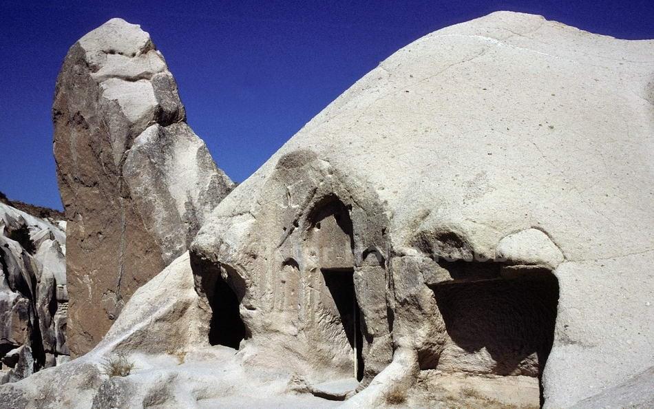 GÖREME - KAPPADOKIEN-CAPPADOCIA - TÜRKEI-TURKEY - FELSENKIRCHE